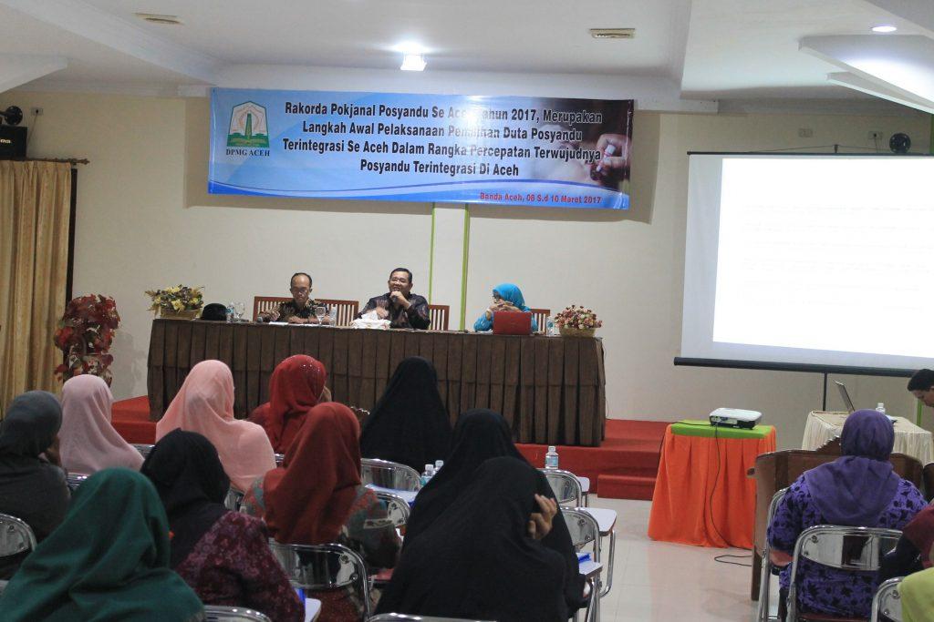 Prof Dr Syahrizal Abbas MA Memberikan Materi Pada Acara Rakorda Pokjanal Posyandu Se-Aceh Tahun 2017