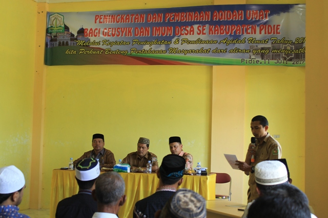 Suasana Acara Pembinaan Aqidah Umat bagi Geusyik dan Imum Desa, di Kabupaten Pidie, Selasa (11/7).