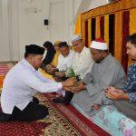 Pesijuk Calon Jemaah Haji di Mushalla As-Salam, Komplek Keistimewaan Aceh