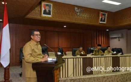 Wakil Bupati Pidie, Fadhlullah TM Daud saat presentasi kesiapan menjadi tuan rumah Musabaqah Tilawatil Quran (MTQ ) ke-35 di aula Serba Guna Kantor Gubernur Aceh, Selasa (12/12/2017).