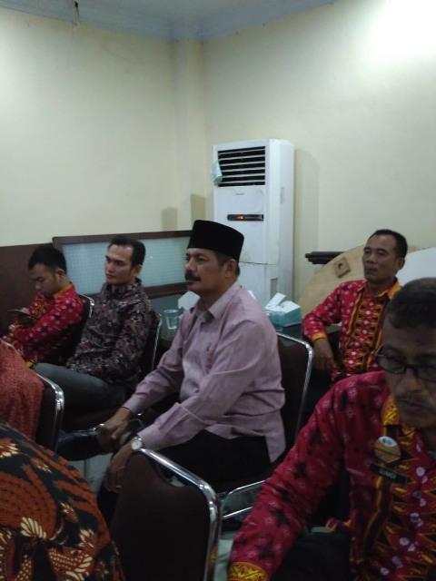 Suasana Rapat technical meeting pawai ta'aruf mobil hias kafilah MTQN XXVII di kantor Kesbangpol Provinsi Sumut, Kamis (20 September 2018).