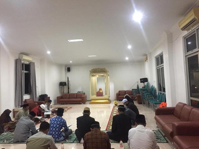 Suasana try out kafilah Aceh jelangSeleksi Tilawatil Qur'an (STQ) XXVI tingkat nasional yang berlangsung di aula gedung LPTQ Aceh pada Rabu (15/9/2021) malam.