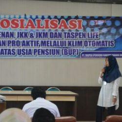 Penyampaian Materi Taspen Life Oleh Isna Kepada ASN Dinas Syariat Islam Aceh pada Selasa, 06/03/2018, di Aula LPTQ Aceh.