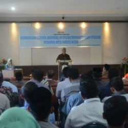 Sekretaris Dinas Syariat Islam Aceh Drs. Darjalil Saat Memberikan Kata Sambutan pada Kegiatan Bimtek e-MTQ Se-Aceh di Gedung LPTQ Aceh, Banda Aceh, Kamis Pagi (30/03).