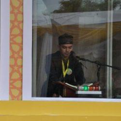Peserta STQN XXIV Perwakilan Kafilah Aceh Arsy Yallah saat Melantunkan Ayat Suci Al-Quran di Islamic Center, Tarakan Kalimantan Utara