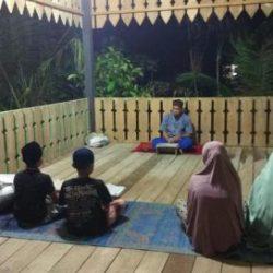 Suasana aktivitas salah satu guru pengajian gampong di Sibreh di Aceh Besar.