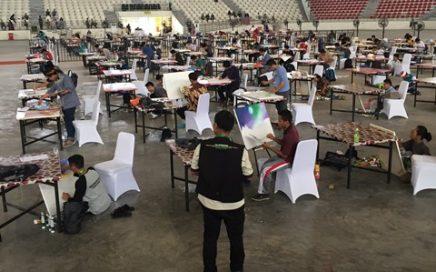 Peserta dari cabang Khattil sedang menyelesaikan tugasnya yang berlangsung di gedung Serbaguna Indoor pada Senin (8/10/18) pagi.