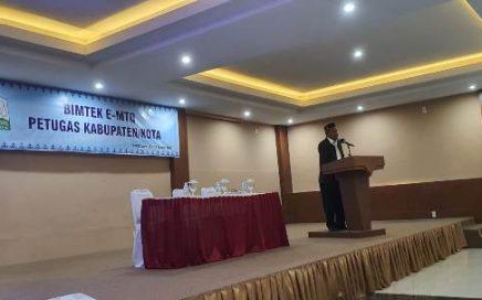 Kepala DSI Aceh, Dr EMK Alidar S. Ag, M.Hum saat membuka bimtek e-MTQ bagi petugas Kabupaten/Kota MTQ Provinsi Aceh, di Aula hotel Madinatul Zahra, Banda Aceh pada Rabu (11/8/2021) pagi.